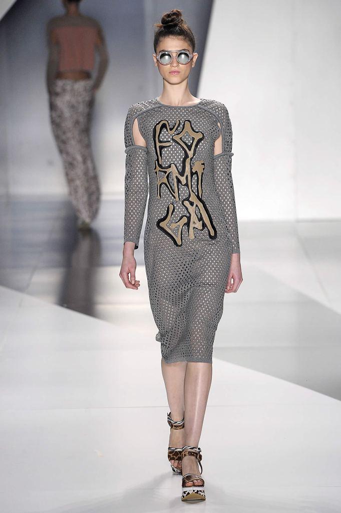 Comprimento midi - Espaço Fashion